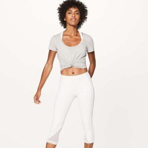 """lululemon Sweat Your Heart Out Crop 21"""" White Sz 8"""
